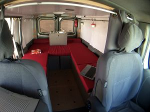 Couchage_2x53x210_C6_Renault_Trafic__b_